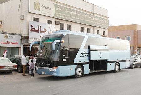 الشيخ أحمد السديري يتكفل بعمرة 100 من منسوبي ومنسوبات المكتب