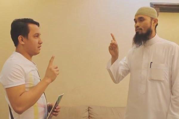 إنتاج فيديو لإسلام فلبيني بسبب أخلاق شاب سعودي
