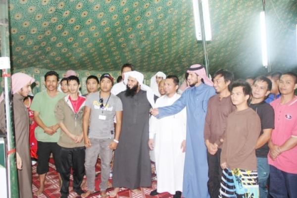 297 رجلاً وامرأة يعتنقون الإسلام خلال شهر محرم 1435هـ