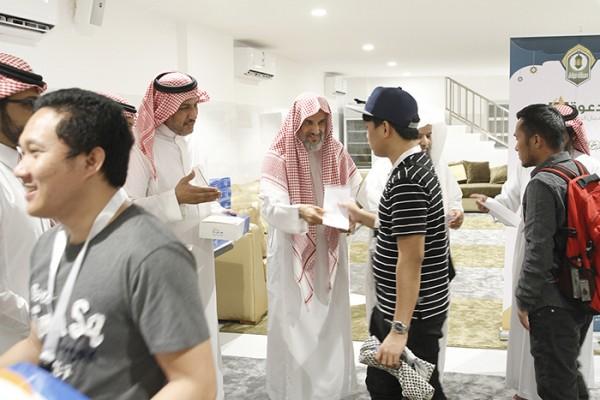إسلام 110 رجال ونساء وتفطير 28 ألف صائم في رمضان