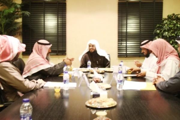 تشكيل لجنة للتنسيق بين مكاتب دعوة الجاليات في الرياض