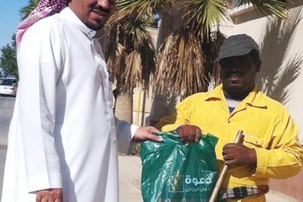 توزيع 100 هدية شتوية على عمّال النظافة