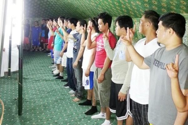 """ملتقى """"حجة وهداية"""" السابع للجالية الفلبينية ينهي فعالياته بإسلام 21 شخصا"""